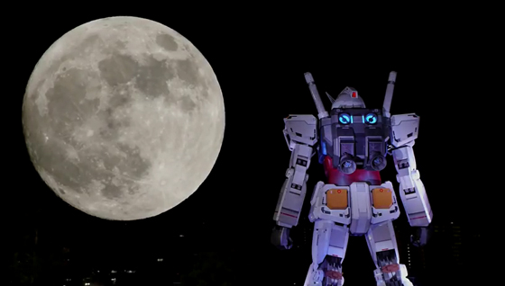 Timelapse del Gundam de Odaiba con Luna gigante