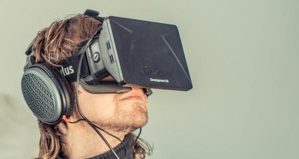 Oculus Rift – CC por sergesegal